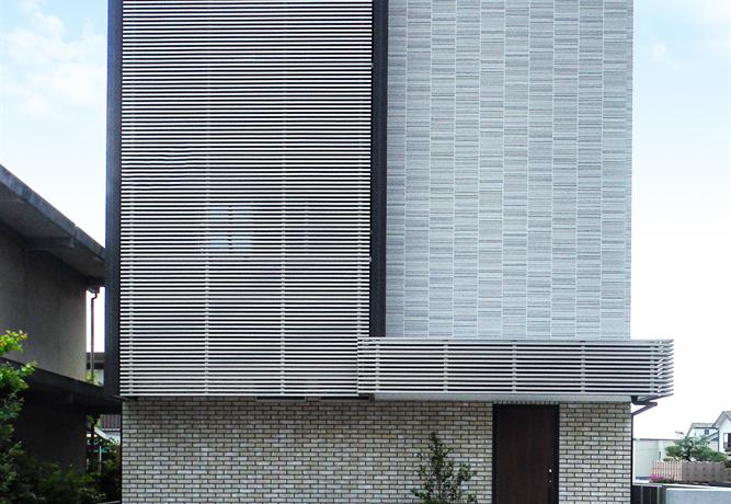 ホームエレベータ月3階木造の家 外観