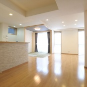 newhouse_living004_1000