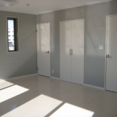newhouse_room038_1000