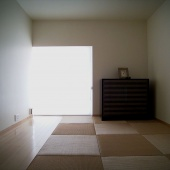 newhouse_room041_1000