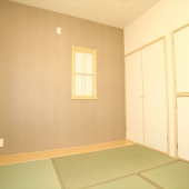 newhouse_room045_1000