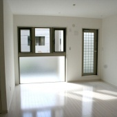 newhouse_room065_1000