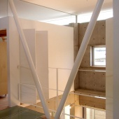 newhouse_stairs004_1000