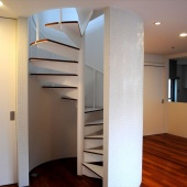 newhouse_stairs020_1000